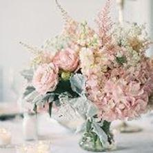 Obrázek Dekorace na stůl - světlé květiny